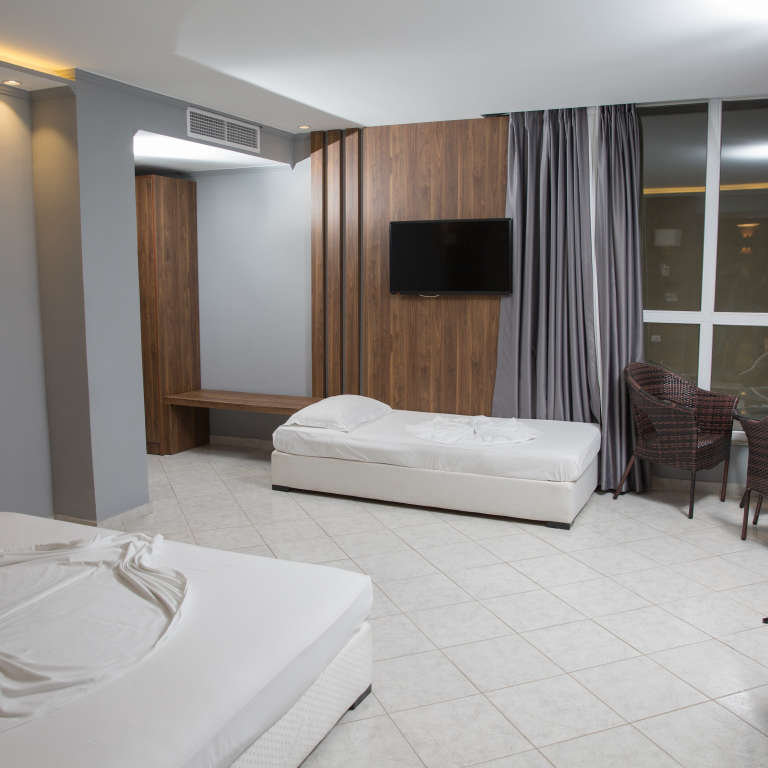 Three persons room 2 (Double Bed / Single Bed)