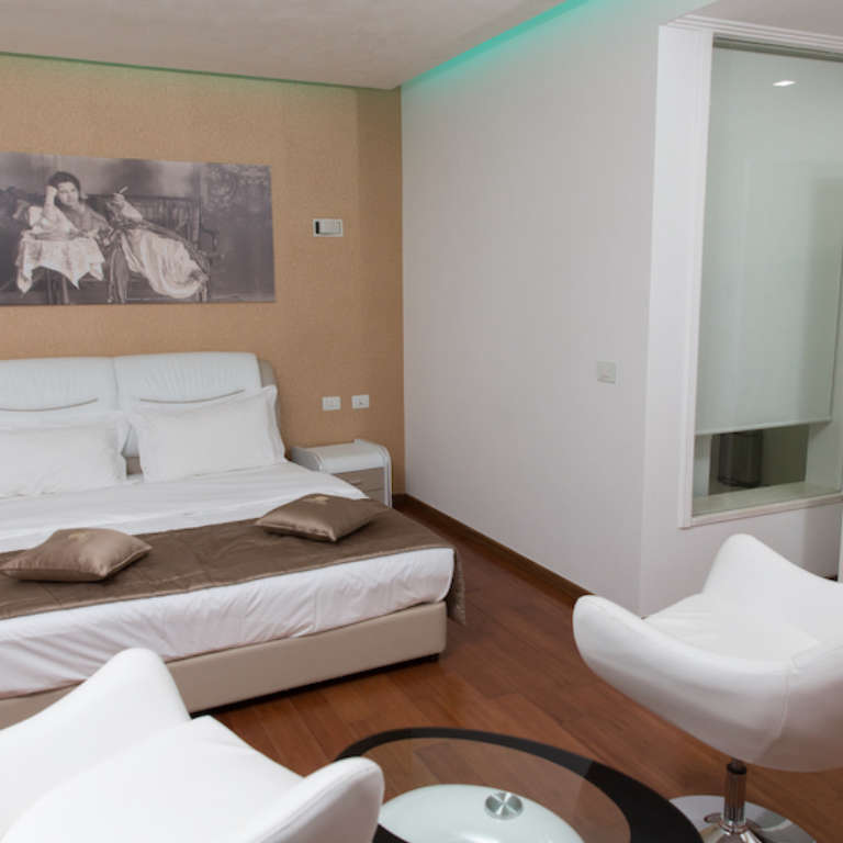 Two person room (king size bed) with balcony